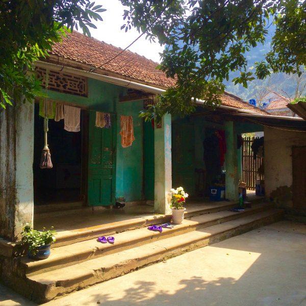 Une maison vietnamienne typique sur l'île de Cat Ba