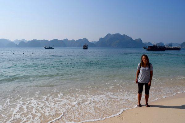 Sur Monkey Island dans la Baie de Lan Ha