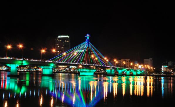 DaNang by night, une des villes à visiter en Asie en 2018