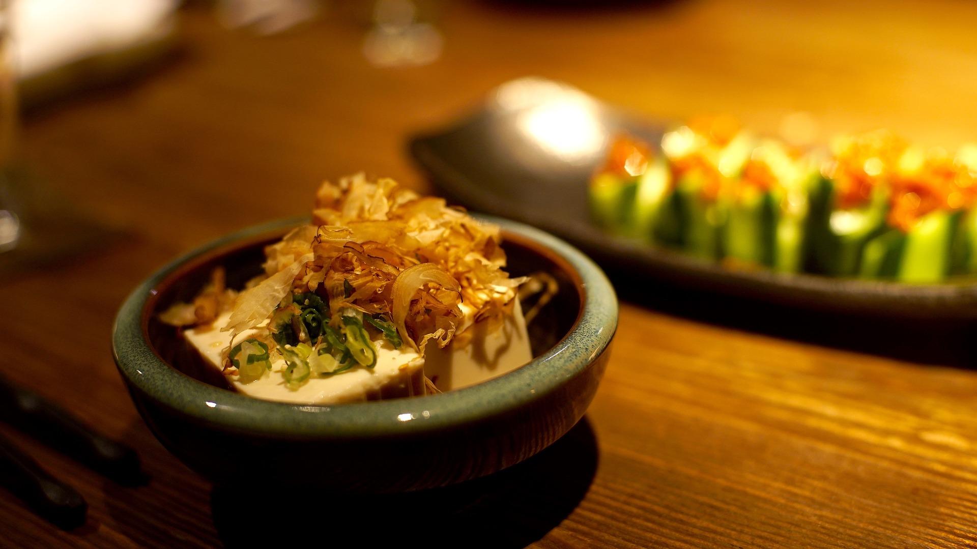 Le tofu japonais, un plat à goûter lors d'un voyage au Japon