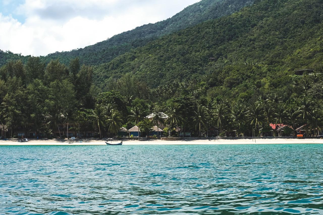 Quoi faire à Koh Phangan? Aller visiter la Bottle Beach, seulement accessible par bateau