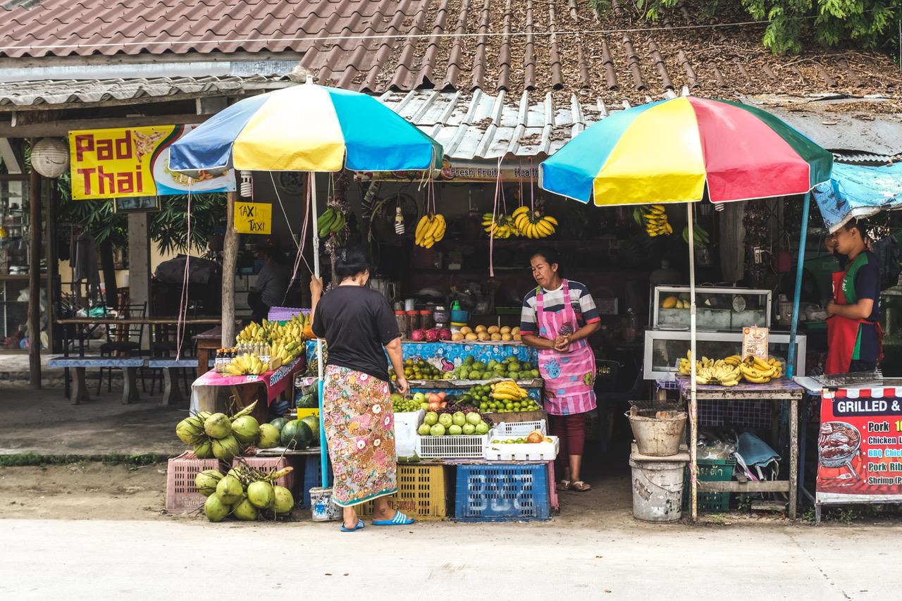 Visiter Koh Phangan et manger beaucoup de fruits
