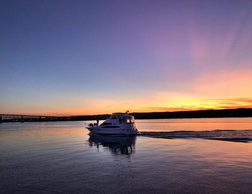 Coucher de soleil sur la rivière Miramichi au Nouveau-Brunswick