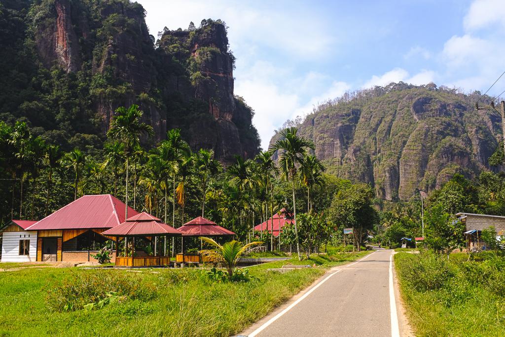 Petit village de Sumatra Ouest